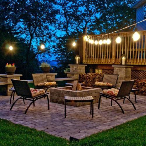 Bulbrite Outdoor, Garden, Lawn, and Landscape Light w/Incandescent Bulbs, 48-Feet, 15 Lights